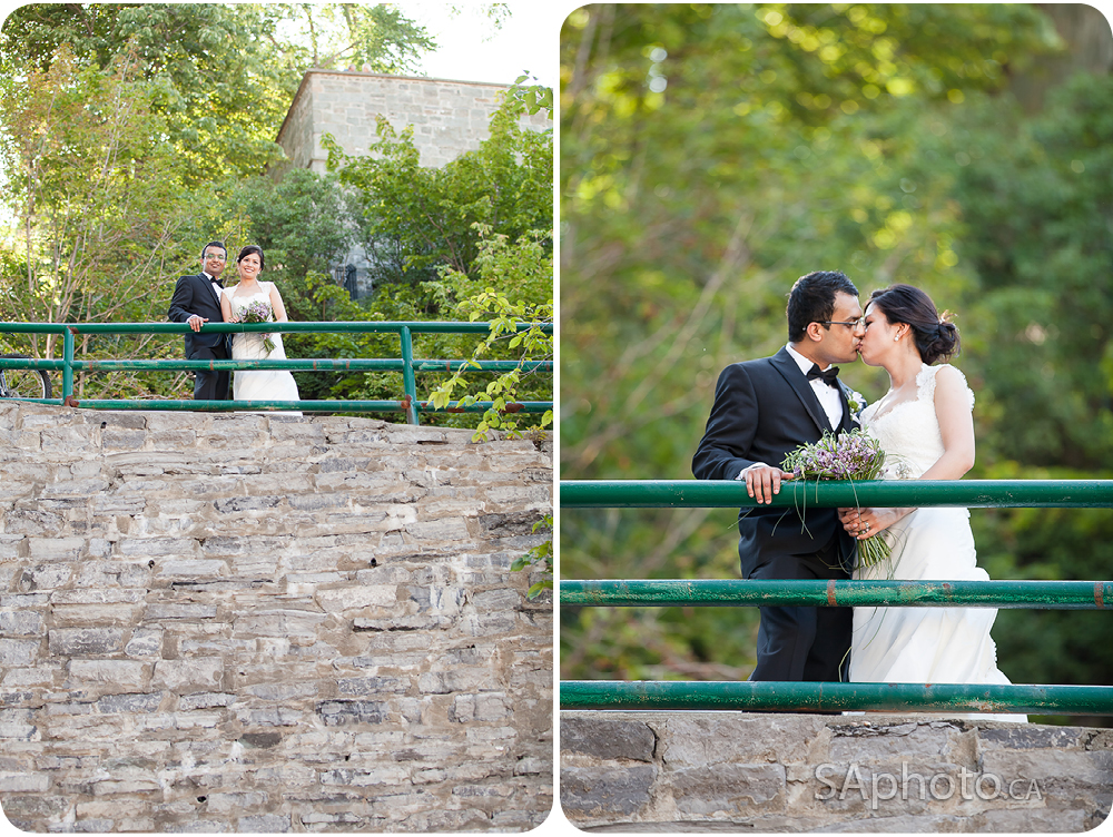 20-The-Breakneck-Stairs-wedding-couple