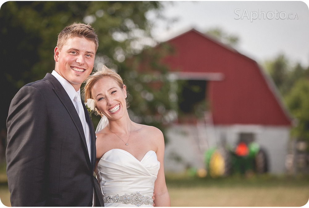 46-Farm-couple-pictures-Queensville-ontario-wedding-photography-Gwillimbury
