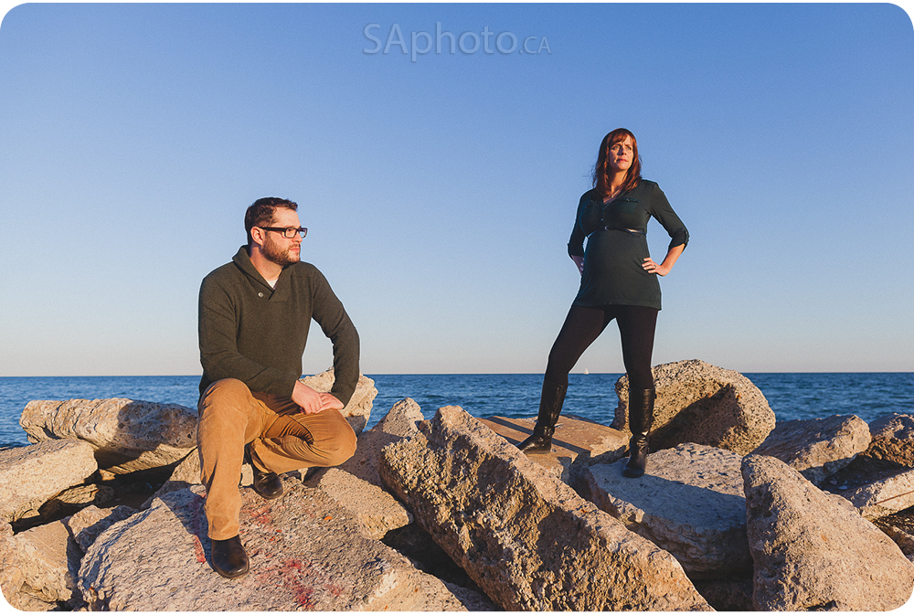 05-beach-maternity-couple-session