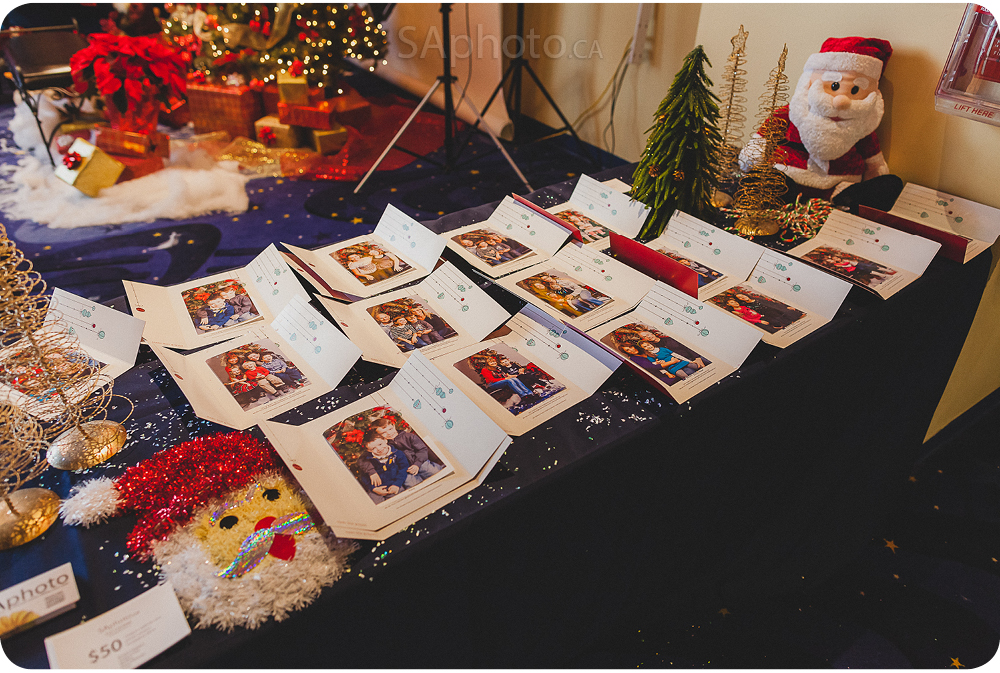 07-remax-onsite-printing-christmas-photo-booth-event