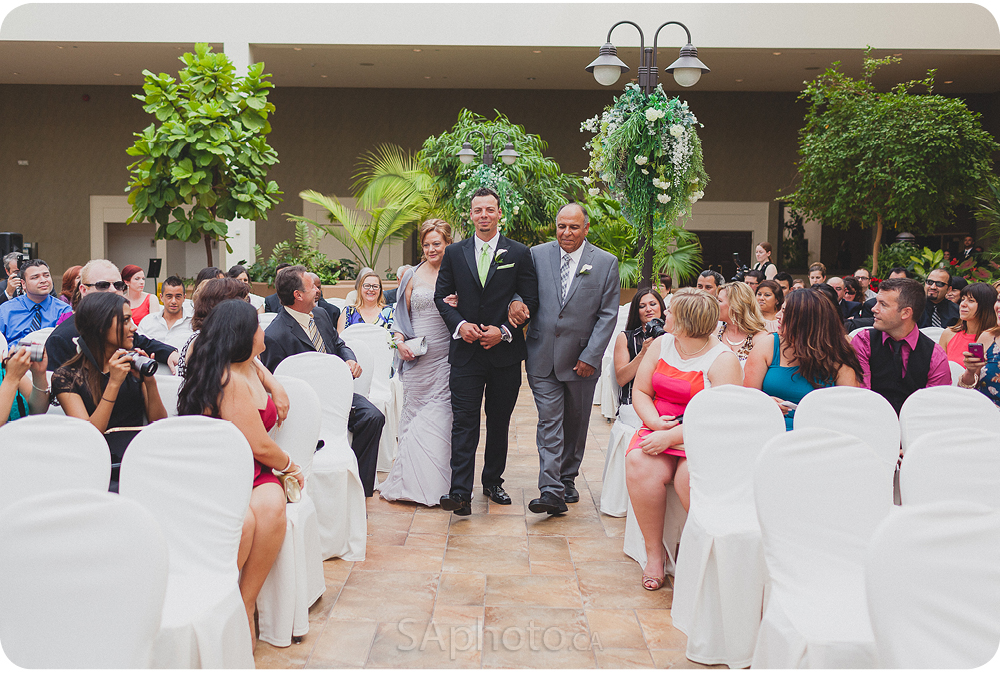 035-best_western_Lamplighter_wedding_pictures