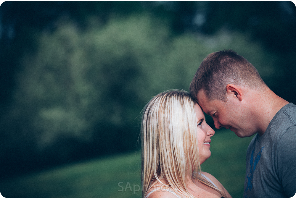 29-orangeville-engagement-session-nature