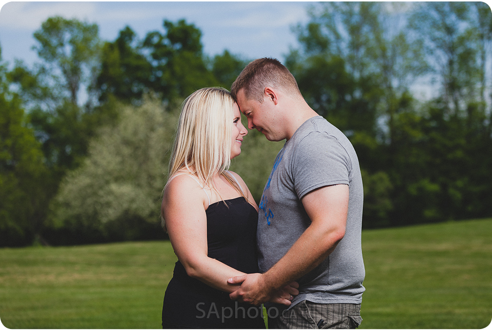31-orangeville-engagement-session-nature
