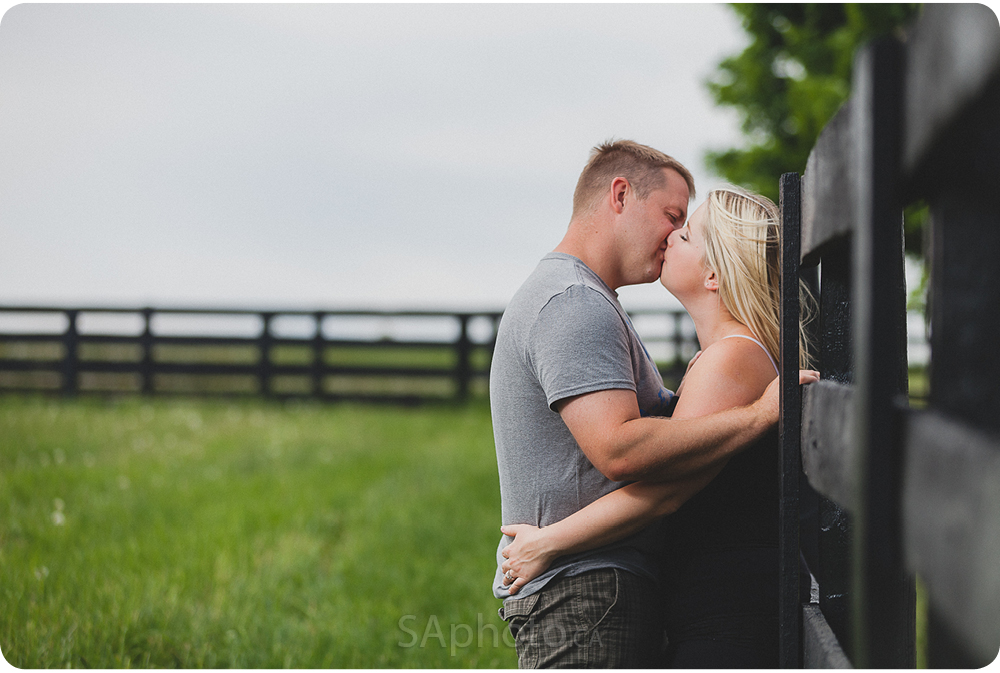 39-orangeville-engagement-session-nature