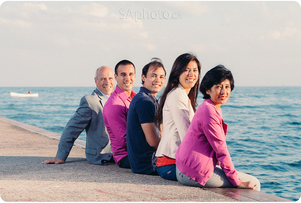 03-beach-photo-family-of-5-portrait