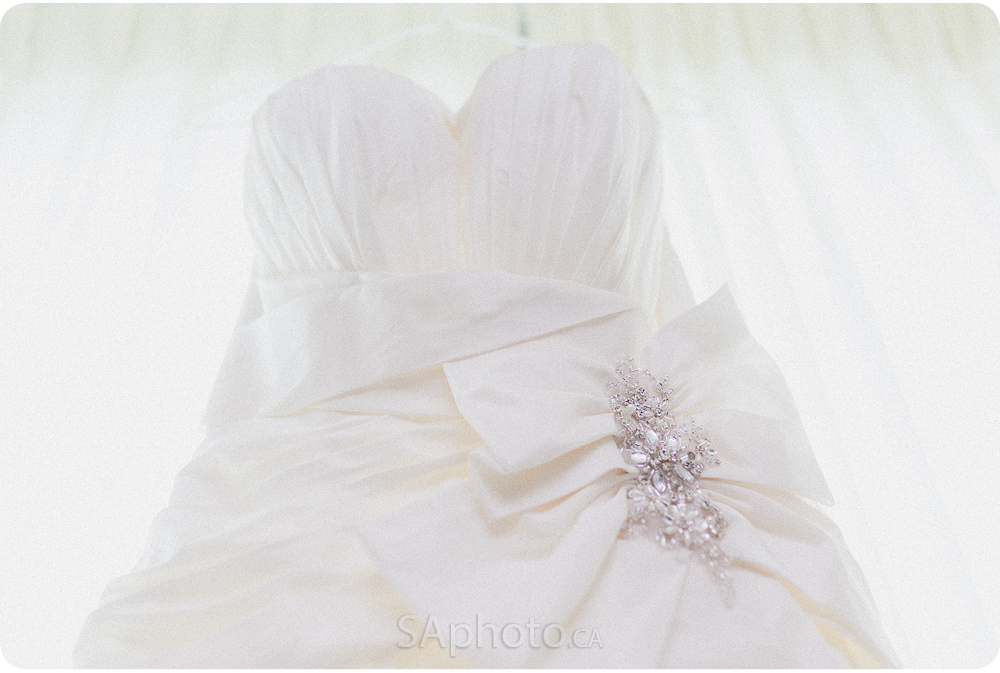 0014-Cambridge-suites-toronto-wedding-dress