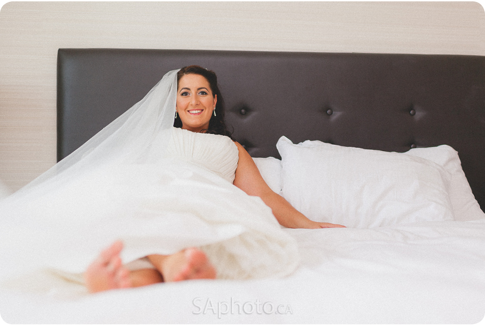 0027-Cambridge-suites-hotel-bride-preperation