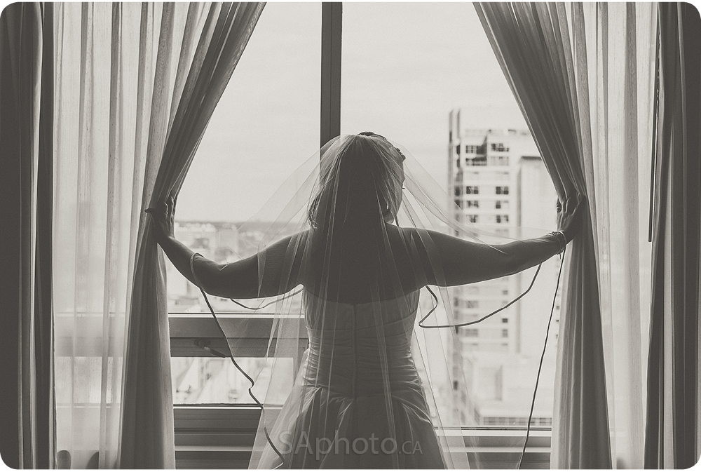 0029-Cambridge-suites-hotel-bride-preperation