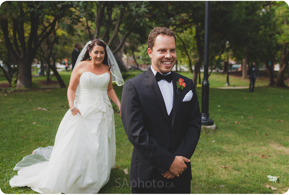 0033-st-james-park-toronto-wedding-pictures