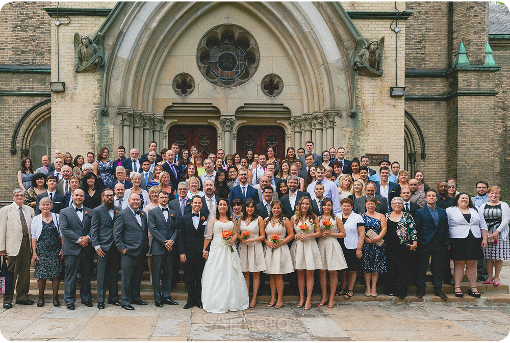 0083-metropolitan-united-church-wedding-group-picture